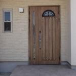 新築一戸建て注文住宅玄関ドアの色やサイズ