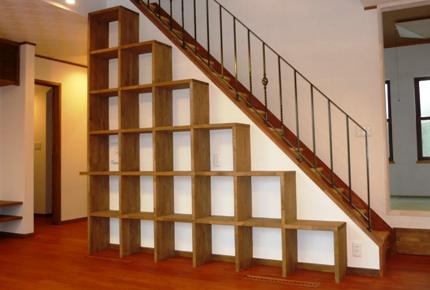 新築間取り階段手摺の選び方