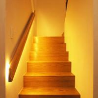 新築一戸建て階段照明画像
