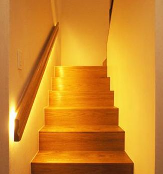 新築一戸建て階段位置
