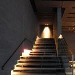 新築階段オシャレな手摺,照明,窓画像付