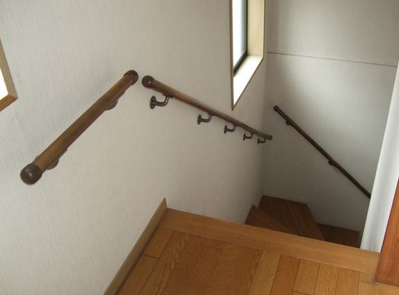 新築間取り階段手摺位置