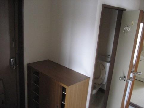 新築一戸建て玄関鏡風水意味