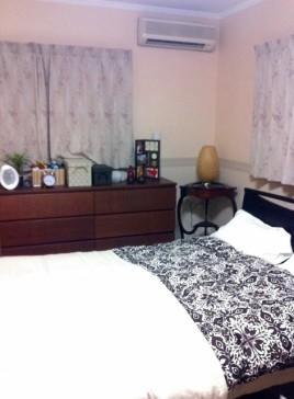主寝室インテリア実例 ベッドサイド