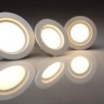 新築キッチン照明ダウンライトとスポットライト比較内覧会画像付