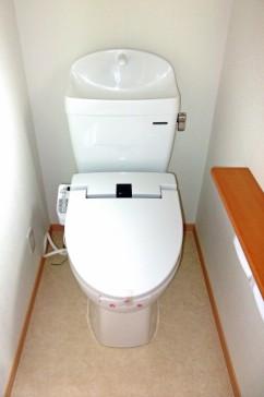 新築トイレットペーパーホルダー配置画像注意点
