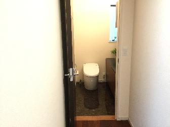 新築トイレ壁紙展示場画像