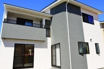 新築玄関の向きと外観イメージ