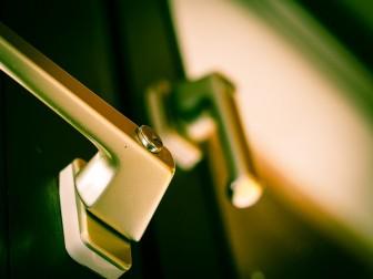 新築窓シャッター必要性と比較すべきオプション