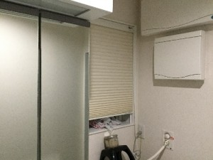 新築洗面所窓
