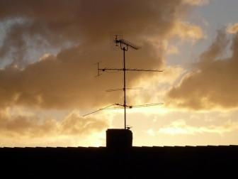 新築テレビアンテナフレッツ光の誤解