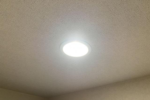 新築一戸建て玄関照明に人感センサー付LED照明を採用した理由