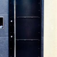 新築一戸建て玄関ドア網戸の必要性
