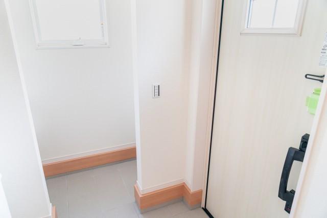 新築注文住宅二世帯住宅間取り失敗後悔  玄関収納の間取り
