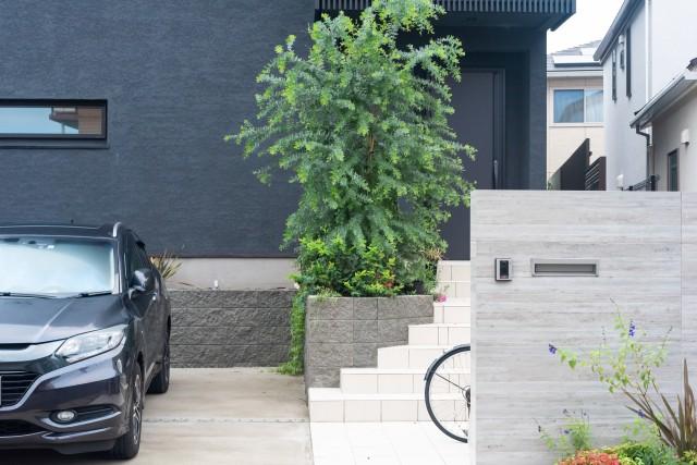 新築アプローチに門柱を配置する際のポイント