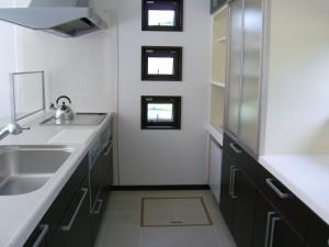 キッチン背面収納使いやすい