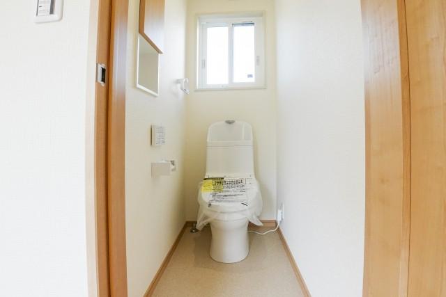 新築間取りトイレの窓は基本開閉不要としておく
