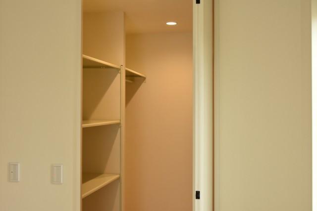 WIC照明スイッチ配置成功法 部屋の内側に設置