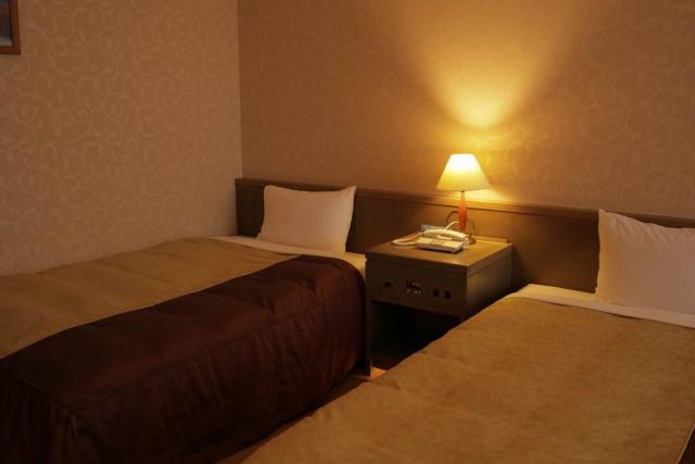 新築主寝室壁紙クロスとカーテン選びの注意点 色を暗くしすぎない