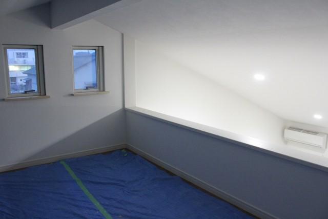 新築子供部屋ロフトの工夫 照明不要な環境作り