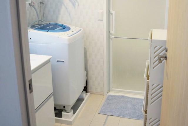 新築洗面所脱衣所照明スイッチ配置失敗後悔原因 ドアの開閉