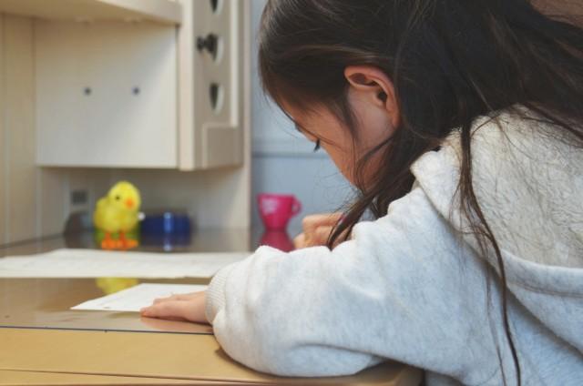 新築子供部屋机配置おすすめ 机正面理想は壁