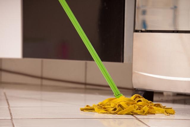 新築キッチン床材リビングと切り替え