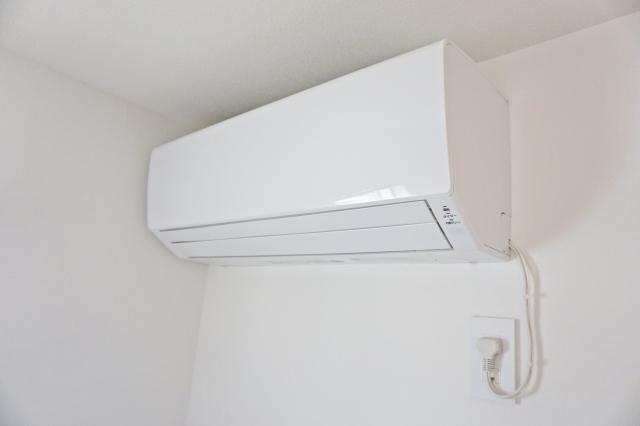 キッチン吊り戸棚失敗後悔 エアコンの風通り
