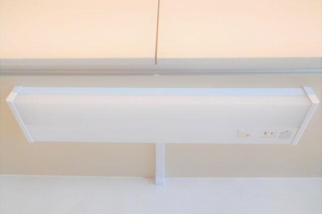 キッチン吊り戸棚失敗後悔 手元灯