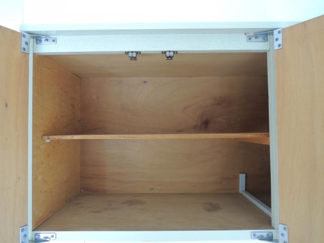 新築キッチン吊り戸棚