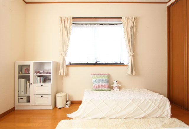 新築カーテン色の配置|統一感よりも使用する部屋のイメージを優先する
