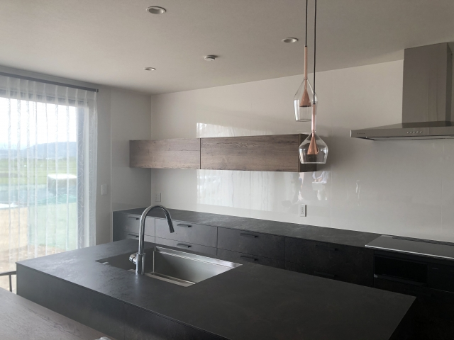 新築キッチンLEDスポットライトデメリット