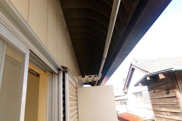 新築バルコニー費用節約術 物干し竿かけは外壁が最安値