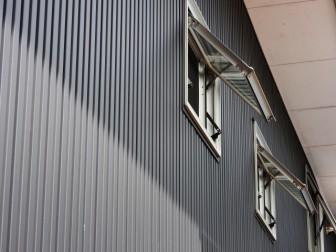 ガルバリウム外壁黒のデメリット