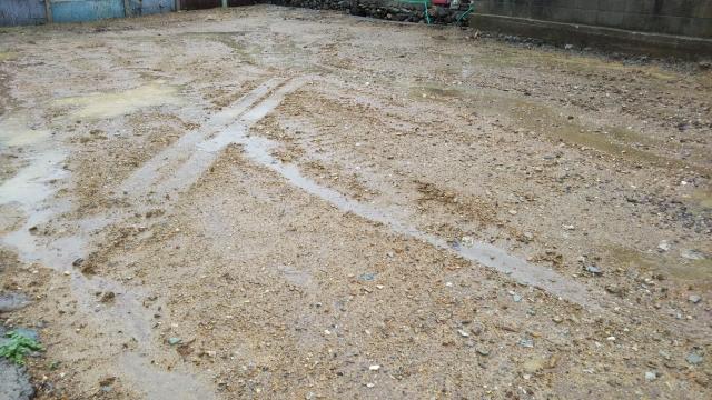 庭の水はけが悪い影響